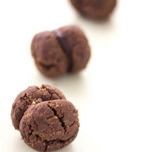 Baci di Dama al cacao - Amodei Pasticceria Siciliana dal 1997